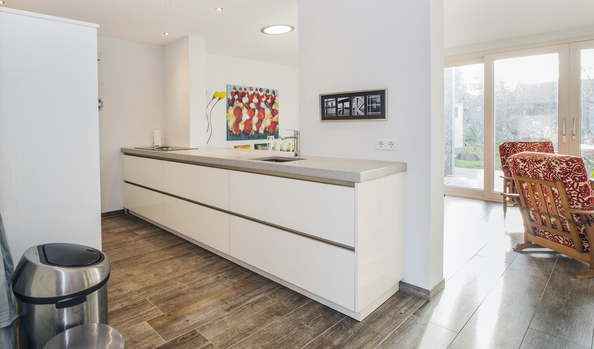 Witte Hoogglans Keuken Met Betonnen Blad: Achterwand witte hoogglans ...