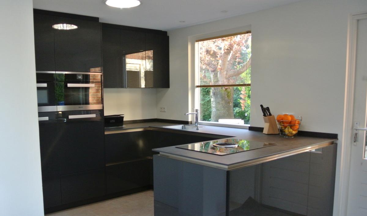 Grijze Keuken Met Wit Blad : Moderne Keukens – Van Diessen Keukens Veldhoven